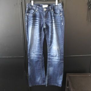 Maurices Low-Rise Boot Cut Jeans Size 7/8